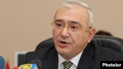 Armenia - Tugran Mukuchian, chairman of the Central Election Commission, at a press conference in Yerevan, 13Feb2012.