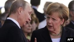 Президент Росії Володимир Путін та канцлер Німеччини Ангела Меркель
