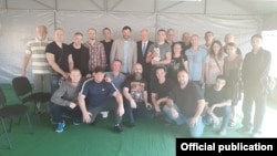 Эту фотографию опубликовало в своем Твиттере посольство России в Украине 7 сентября, в день обмена