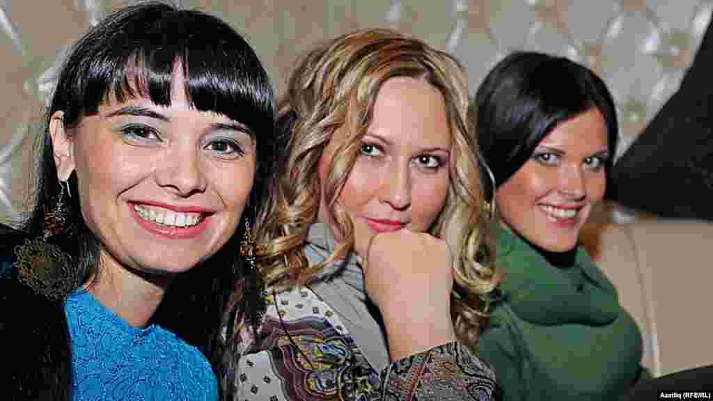 """TatarStar"" кичәсе. (с) Луиза, Ләйсән, Илвина."