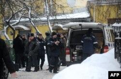 Поліція біля ресторану «Старий Фаетон» на виході з якого було скоєне вбивство