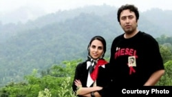 """Fatemeh Ekhtesari (left) and Mehdi Musavi have been sentenced to years in prison and lashes for """"insulting the sacred"""" in their writings, a decision slammed by freedom-of-expression activists."""