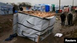 Стихийный лагерь для мигрантов, получивший название «Джунгли» во французском городе Кале, 1 марта 2016 года.