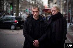 Петр Павленский и Оксана Шалыгина в Париже, январь 2017