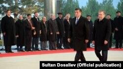 Нахустин сафари президенти нави Қирғизистон Сооронбой Ҷеенбеков ба Тошканд