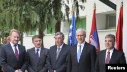Sastanak u Karađorđevu - članovi Predsedništva BiH Bakir Izetbegović, Željko Komšić i Nebojša Radmanović, predsednik Srbije Boris Tadić i predsednik Turske Abdulah Gul, 26. april 2011