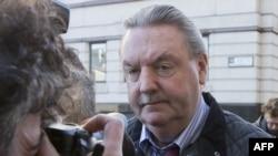 Джеймз МакКормік прибуває на початок суду над ним у Лондоні, 2 травня 2013 року