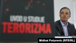 """Vlado Azinović na promociji knjige """"Uvod u studije terorizma"""""""