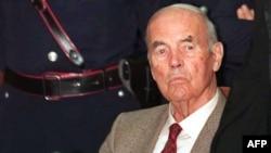 Эрих Прибке в военном трибунале в Риме, 30 июля 1996 года