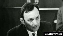 Noël Bernard, directorul Serviciului Românesc al REL și inițiatorul emisiunilor din martie 1977