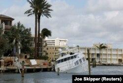 """Последствия урагана """"Ирма"""". Помпано-Бич, Флорида. 11 сентября"""