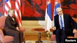 Државната секретарка на САД Хилари Клинтон и српскиот претседател Борис Тадиќ на денешната средба во Белград