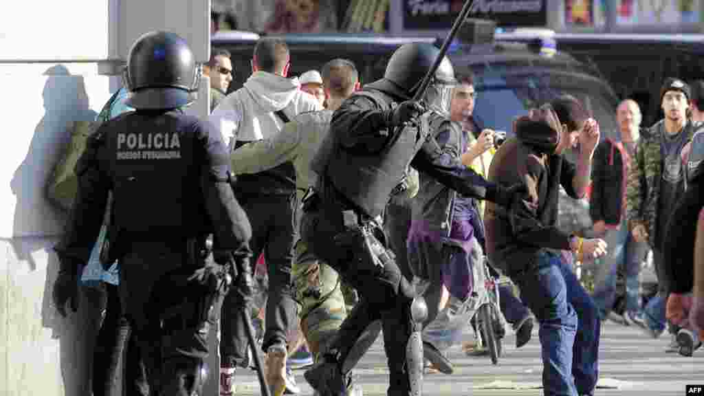 Barcelona, 29. 03.2012. Foto: AFP / Josep Lago