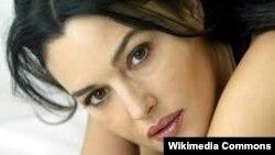 Italyan aktrisası Monica Belucci.