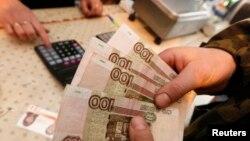 В декабре годовая инфляция в России составила 11,4%, в январе - уже 15%