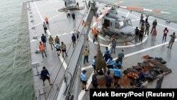 از میان ۱۶۲ سرنشین، تا کنون جسد ۴۶ نفر پیدا شده است