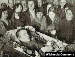 Sergey Yeseninin dəfni, 1925-ci il.