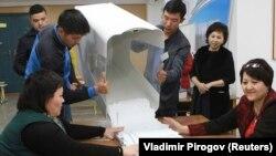Кыргызстандагы шайлоолордун бири. Иллюстрациялык сүрөт.