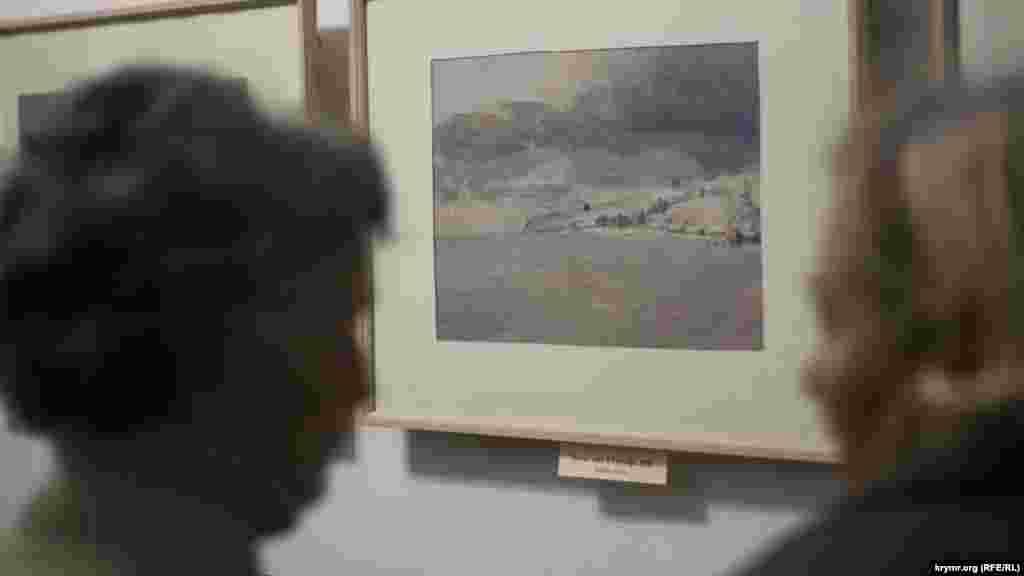 Окончил Миргородскую художественно-промышленную школу (1918), преподавал в Киевском художественном техникуме (1920-1931), участвовал в оформлении Всеукраинского музейного городка на территории Киево-Печерской Лавры (1926)