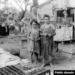 Siromašna majka sa decom tokom Velike depresije, Kalifornija, 1936. godine