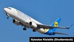 Літак авіакомпанії «Міжнародні авіалінії України»