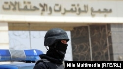 Сотрудник сил безопасности Египта в Каире. Иллюстративное фото.