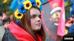 День захисника України, 14 жовтня, припадає на неділю, тому вихідним буде і понеділок, 15 жовтня