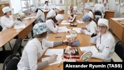 Медицина студентлары. Архив фотосы