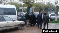 Жители Алтынтобинского сельского округа, приехавшие в районный центр Казыгурт. Март 2016 года.