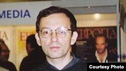 Писатель Александр Гольдштейн (1958-2006) Фото Д.Кузьмина gallery.vavilon.ru