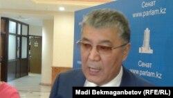 Мұрат Бақтиярұлы, парламент сенатының депутаты. Астана, 3 наурыз 2016 жыл.