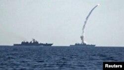 Про ракетний удар по екстремістах у Сирії 22 червня Росія попередила США саме через «закриту» «гарячу лінію», відеокадр Міноборони Росії