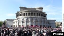 Հայ ազգային կոնգրեսը հանրահավաք է անցկացնում Ազատության հրապարակում: 28-ը ապրիլի, 2011թ.