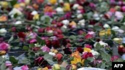 Nju-Jork, lule në kujtim të viktimave nga sulmet e 11 Shtatorit
