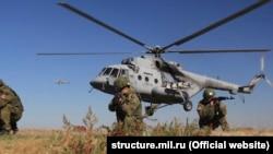 Російські військові проводять навчання в анексованому Криму