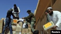 Transport de ajutoare umanitare la Tobruk