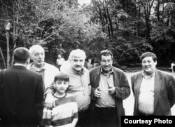 Qazaxıstan - Andrei Bitov (solda), Alexander Tkachenko, Gunter Grass, Bakhytzhan Kanapyanov