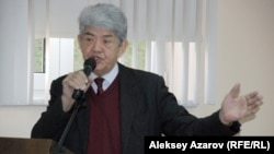 Табиғат» экологиялық қозғалысы жетекшісі Мэлс Елеусізов. Алматы, 19 қаңтар 2015 жыл.