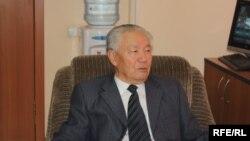 Орозбек Дүйшеев