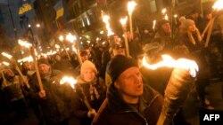 Смолоскипова хода на вшанування пам'яті Бандери у Києві, 1 січня 2013 року