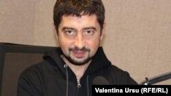 Valeriu Pașa în studioul Europei Libere