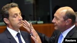 Presidetni rumun, Trjan, Basesku, dhe ai francez Nikolla Sarkozi, në Bruksel
