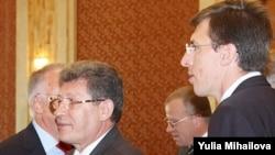Mihai Ghimpu și Dorin Chirtoacă la ședința inaugurală a Parlamentului