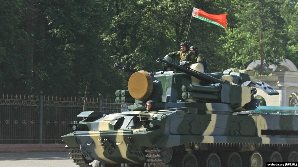 Белорусская армия на границе с Россией учится отбивать атаки незаконных вооруженных формирований