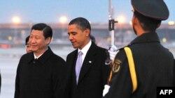 به جز مسائل مورد علاقه دو جانبه و انتظارات متقابل آمريكا و چين، مسائل مرتبط با نظام جهانى و روابط خارجى نيز در صدر موضوع هاى مورد مذاكره اوباما با رهبران چين قراردارد.