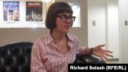 Вера Кичанова в Вашингтонской редакции Радио «Свободная Европа»/Радио «Свобода». 18 июля 2013 года.