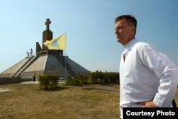 Валентин Наливаченко під час відзначення 100-річчя битви за гору Лисоня на Тернопільщині