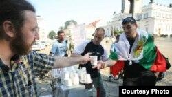 Баўгары п'юць антыўрадавую каву і думаюць пра рэкорд у Кнізе Гінэса