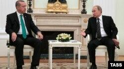 Встреча президента Турции Реджепа Тайипа Эрдогана (л) и президента России Владимира Путина (п), 23 сентября 2015