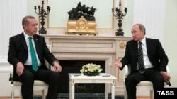 Президент Турции Реджеп Тайип Эрдоган (слева) и президент России Владимир Путин. Москва, 23 сентября 2015 года.